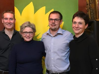 Von Rechts: Dr. Markus Büchler (MdL); Gabriele Triebel (MdL); Peter Friedl (Landratskandidat B`90/Die Grünen) Christine Reineking (Sprecherin KV-Landsberg am Lech)
